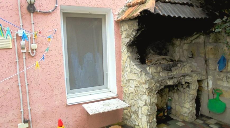 """Изображение частного дома """"Уютный домик с террасой на 2-5 человек в Феодосии."""" #4"""