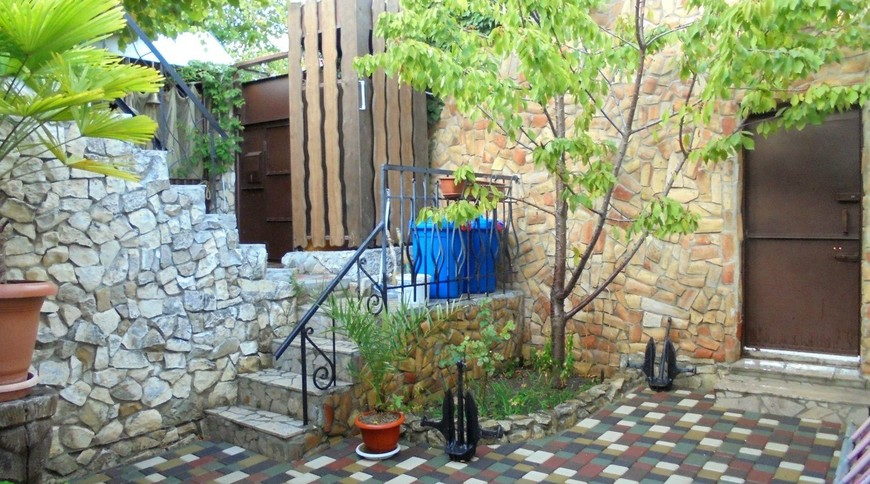 """Изображение частного дома """"Уютный домик с террасой на 2-5 человек в Феодосии."""" #6"""