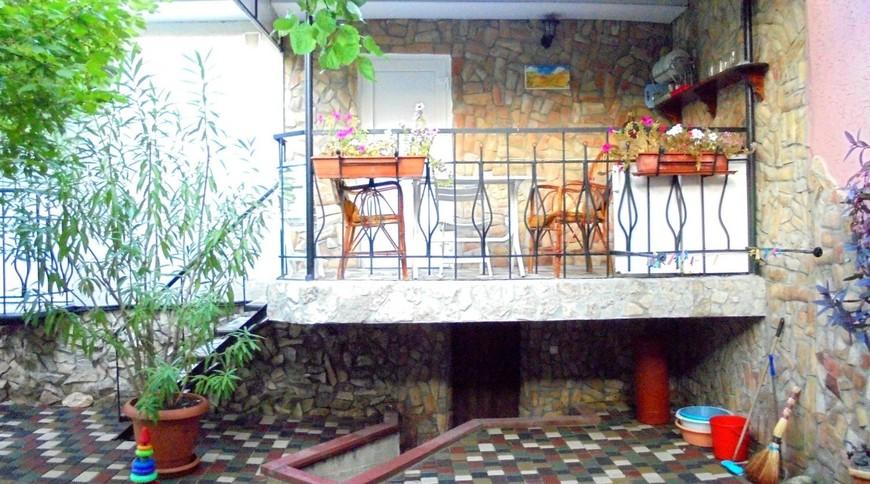 """Изображение частного дома """"Уютный домик с террасой на 2-5 человек в Феодосии."""" #10"""