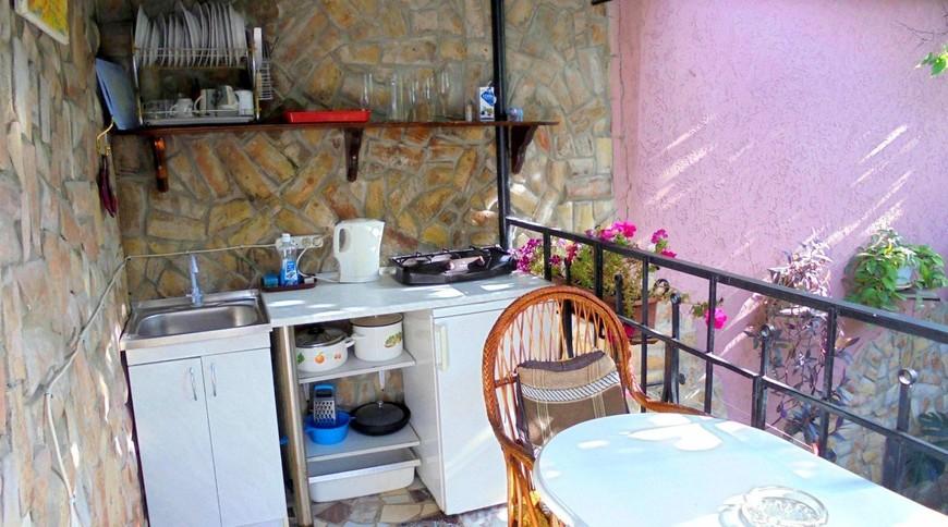"""Изображение частного дома """"Уютный домик с террасой на 2-5 человек в Феодосии."""" #13"""