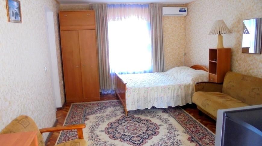 """Изображение частного дома """"Уютный домик с террасой на 2-5 человек в Феодосии."""" #15"""