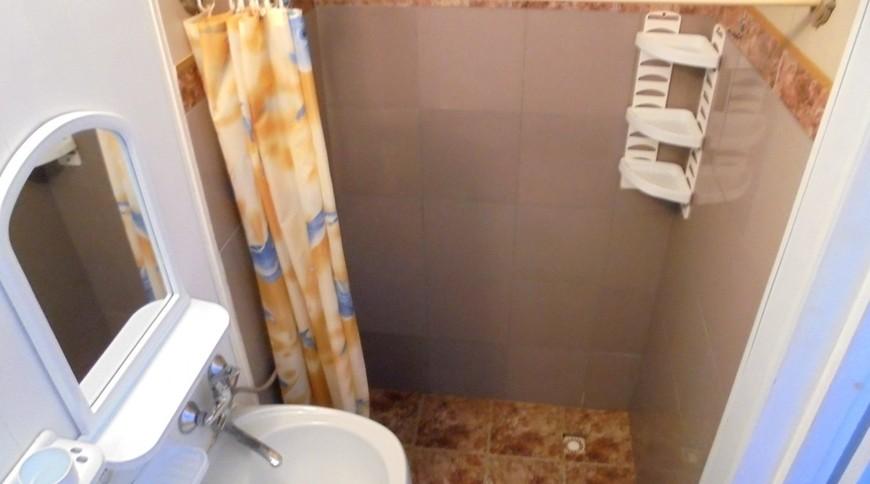"""Изображение частного дома """"Уютный домик с террасой на 2-5 человек в Феодосии."""" #17"""