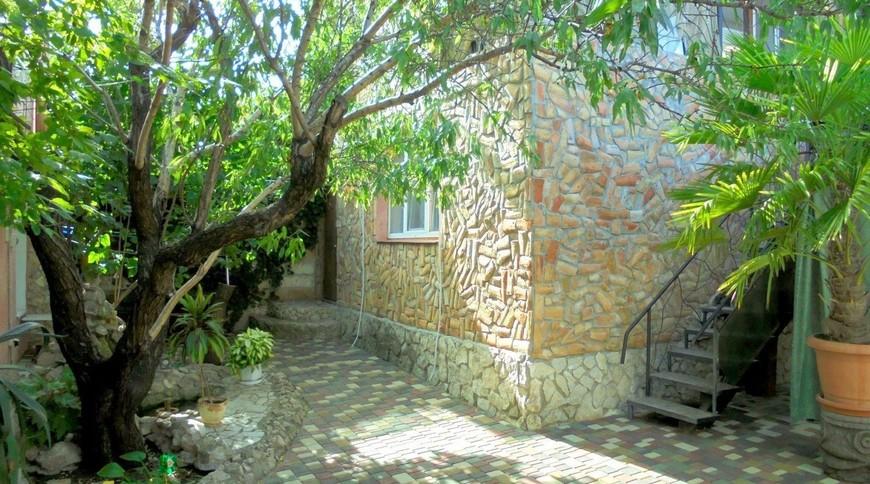 """Изображение частного дома """"Домик для семейного отдыха на 2-4 человека в Феодосии."""" #1"""