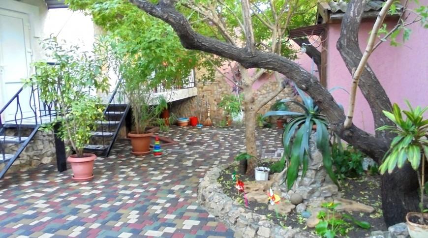 """Изображение частного дома """"Домик для семейного отдыха на 2-4 человека в Феодосии."""" #7"""