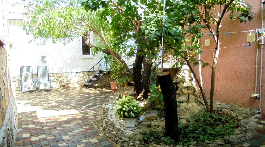"""Изображение частного дома """"Домик для семейного отдыха на 2-4 человека в Феодосии."""" #9"""