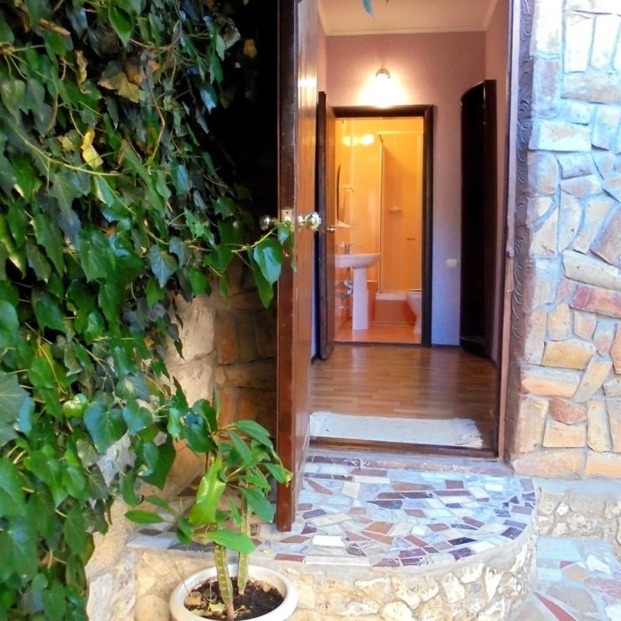 """Изображение частного дома """"Домик для семейного отдыха на 2-4 человека в Феодосии."""" #11"""