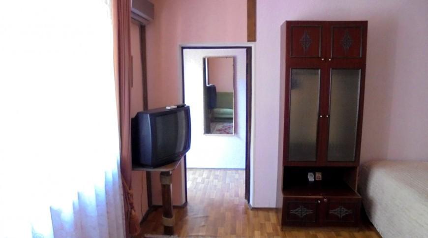 """Изображение частного дома """"Домик для семейного отдыха на 2-4 человека в Феодосии."""" #13"""