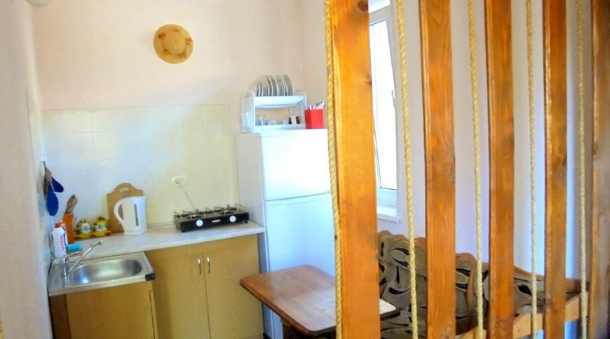 """Изображение частного дома """"Домик для семейного отдыха на 2-4 человека в Феодосии."""" #15"""