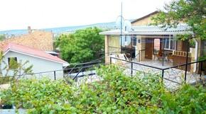 """Изображение частного дома """"Двухкомнатный домик с террасой на 3-7 человек в Феодосии."""""""