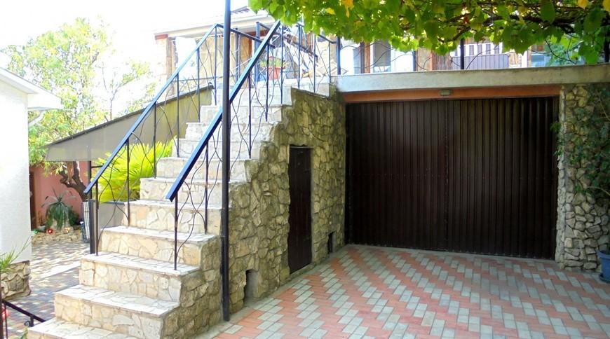 """Изображение частного дома """"Двухкомнатный домик с террасой на 3-7 человек в Феодосии."""" #2"""