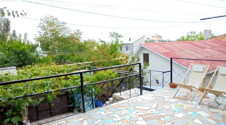 """Изображение частного дома """"Двухкомнатный домик с террасой на 3-7 человек в Феодосии."""" #4"""