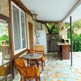 """Изображение частного дома """"Двухкомнатный домик с террасой на 3-7 человек в Феодосии."""" #35"""