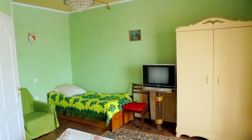 """Изображение частного дома """"Двухкомнатный домик с террасой на 3-7 человек в Феодосии."""" #16"""