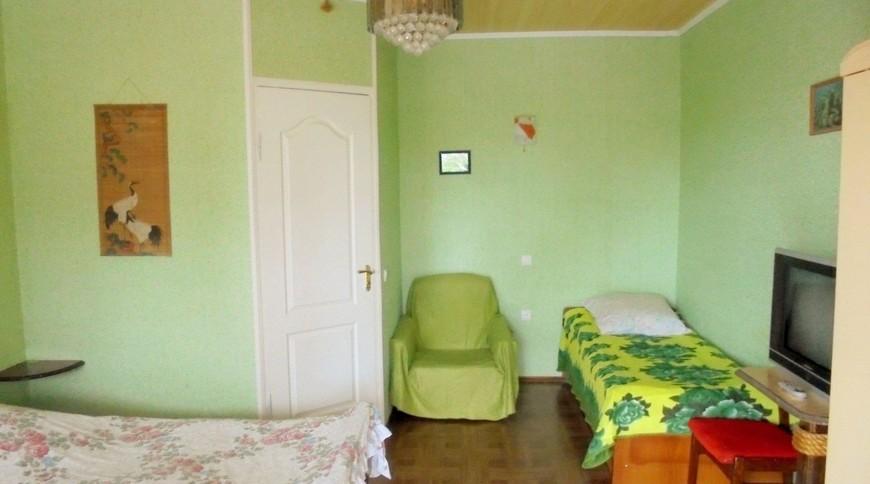 """Изображение частного дома """"Двухкомнатный домик с террасой на 3-7 человек в Феодосии."""" #17"""