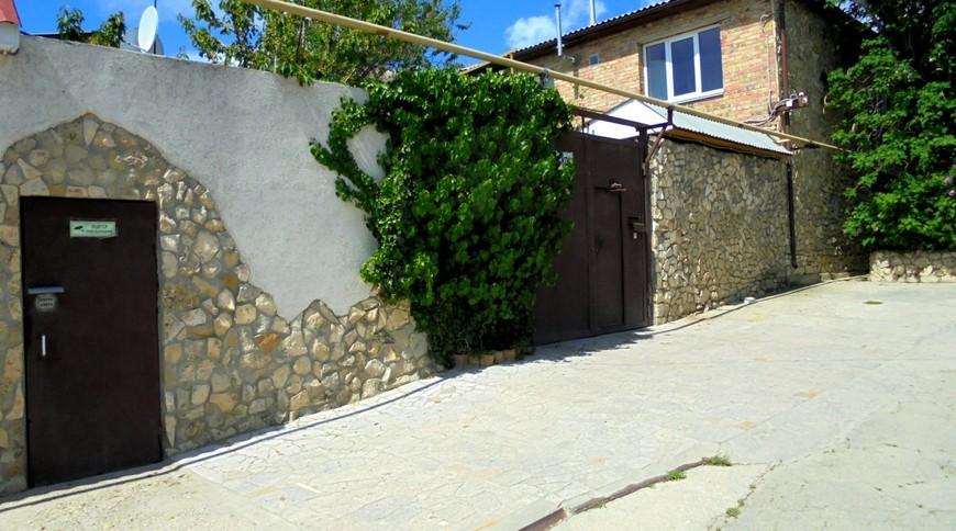 """Изображение частного дома """"Двухкомнатный домик с террасой на 3-7 человек в Феодосии."""" #27"""