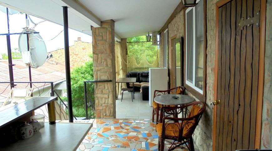 """Изображение частного дома """"Двухкомнатный домик с террасой на 3-7 человек в Феодосии."""" #5"""
