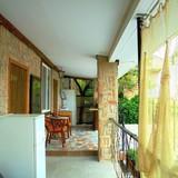 """Изображение частного дома """"Двухкомнатный домик с террасой на 3-7 человек в Феодосии."""" #34"""