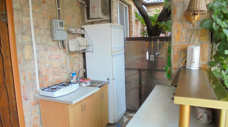 """Изображение частного дома """"Двухкомнатный домик с террасой на 3-7 человек в Феодосии."""" #9"""
