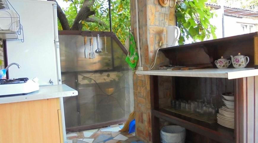 """Изображение частного дома """"Двухкомнатный домик с террасой на 3-7 человек в Феодосии."""" #11"""