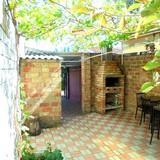"""Изображение частного дома """"Отдельный трехкомнатный дом со своим закрытым двором и гаражом, без хозяев, в Феодосии."""" #22"""