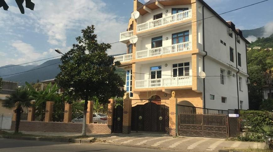 """Изображение гостевого дома """"На Ардзинба, 245"""" #1"""