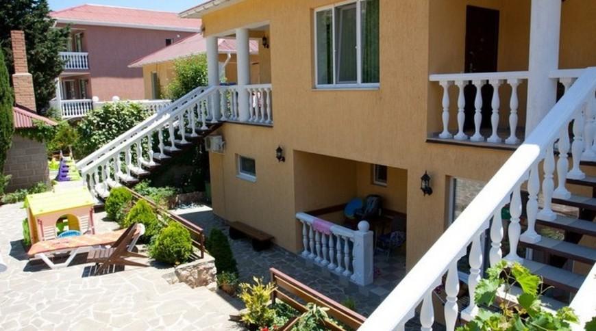 """Изображение апартаментов """"Shangri-La"""" #2"""