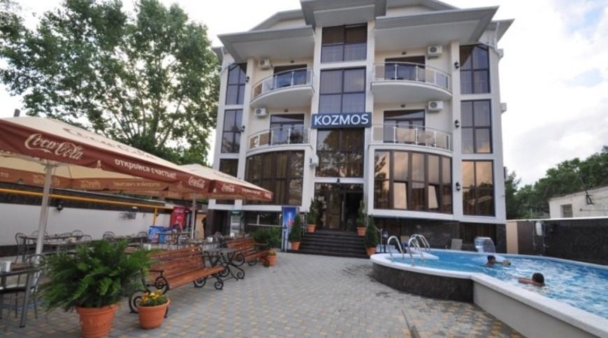 """Изображение отеля """"KoZmos"""" #1"""