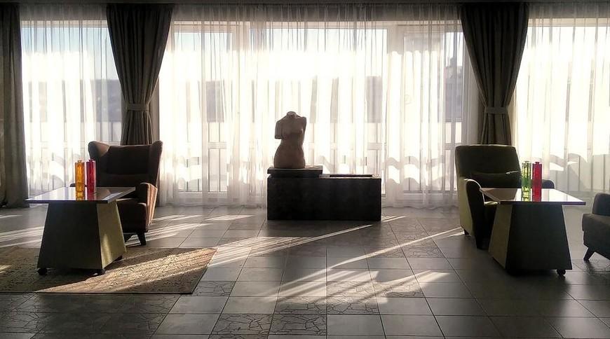 """Изображение отеля """"Арт-отель Украина"""" #1"""