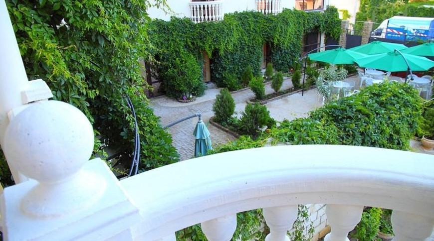 """Изображение отеля """"Villa Fellini"""" #3"""