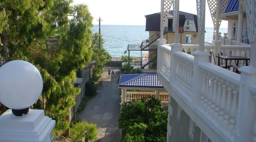 """Изображение гостевого дома """"Мандарин в 60 метрах от моря."""" #4"""